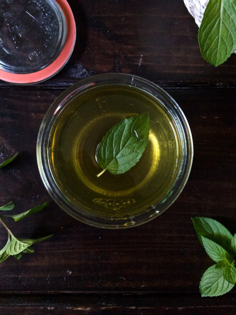 Chocolate Mint Simple Syrup, Nashville TN, Chocolate, Easy Bartender Recipes, Cocktail Mixers, Mint Tea Recipes