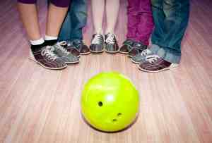 family activity, family going bowling