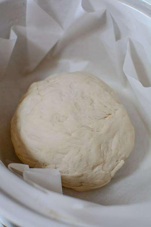 In this recipe, I show you how to make slow cooker bread. It's the easiest, fresh bread that you can make - and it's a cinch in your crockpot!!