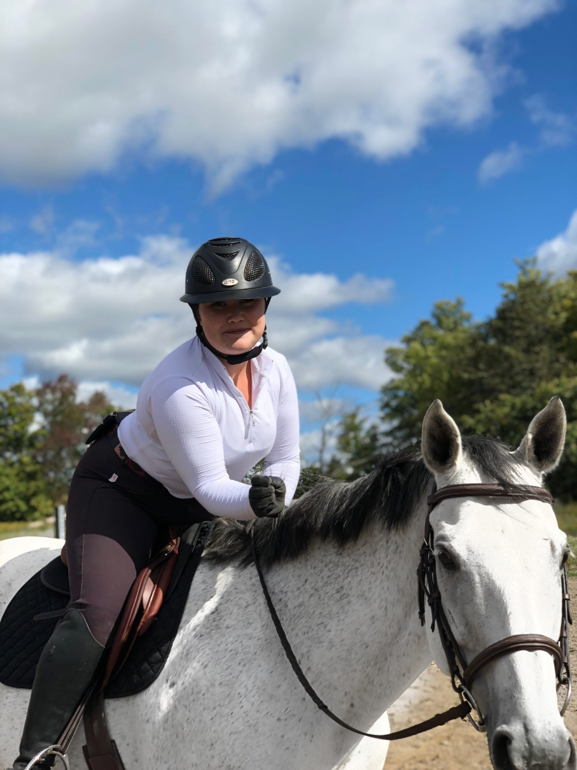 Leah from @bigbootybreeches is an incredible advocate for body positivity in the Equestrian community