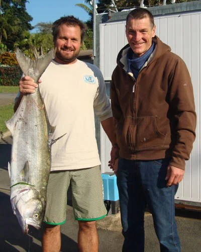 Marc-Lange-and-Pierre-de-Villiers-8.7kg-Shad. Shad season