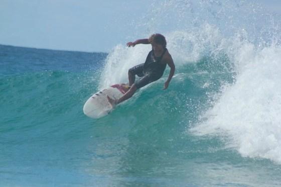 Sung Min Cho carving up a Praia do Tofo wavelet.