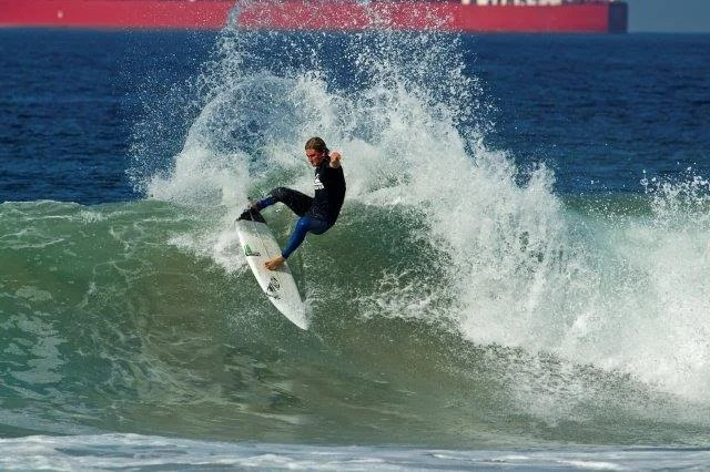 Beyrick De Vries in action at the second event of the Quiksilver Get Free  Series 2015. De Vries placed first in the open men s division. 227b3dc218e