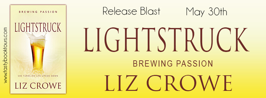 LIGHTSTRUCK by Liz Crowe: Release Spotlight, Excerpt & Giveaway