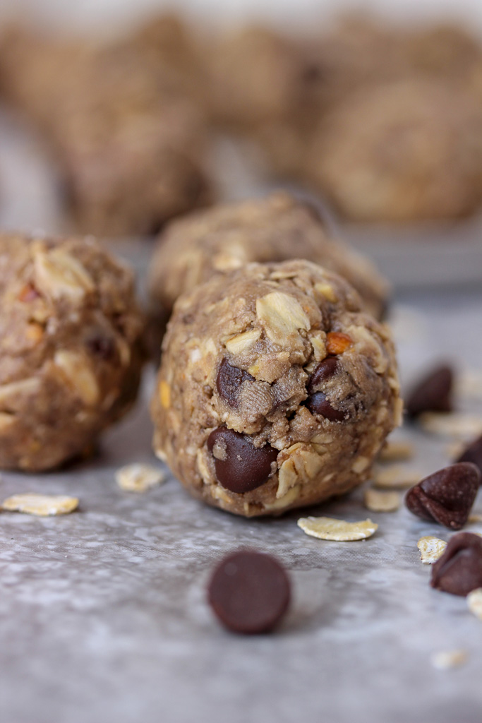 crunchy chocolate peanut butter protein balls