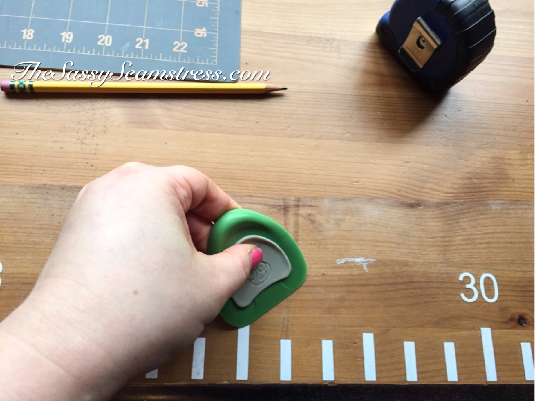 DIY Desk Ruler. Perfect for sewers!