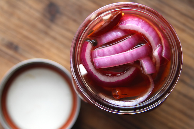 pickled-red-onions-recipes-3