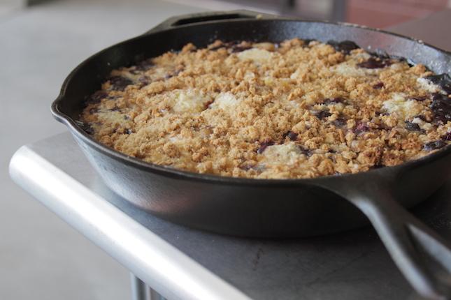 blueberry-granola-dump-cobbler-recipes-6