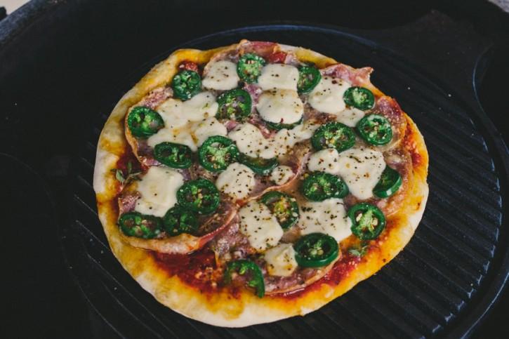 Pancetta Pizza Big Green Egg