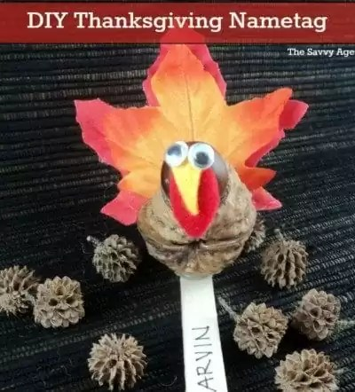 Easy DIY Thanksgiving Nametag. Use walnuts and acorns for a homemade turkey craft!