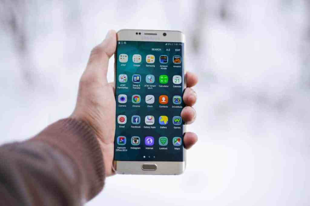 9 Smartphone Apps That Can Help You Manage Money Easier