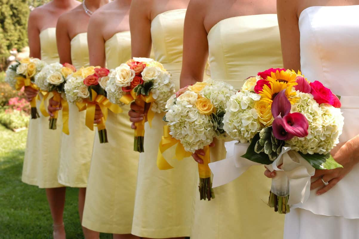 7 Brilliant Spring Wedding Ideas That Will Help You Save
