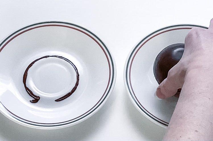 Assembling hot chocolate bomb
