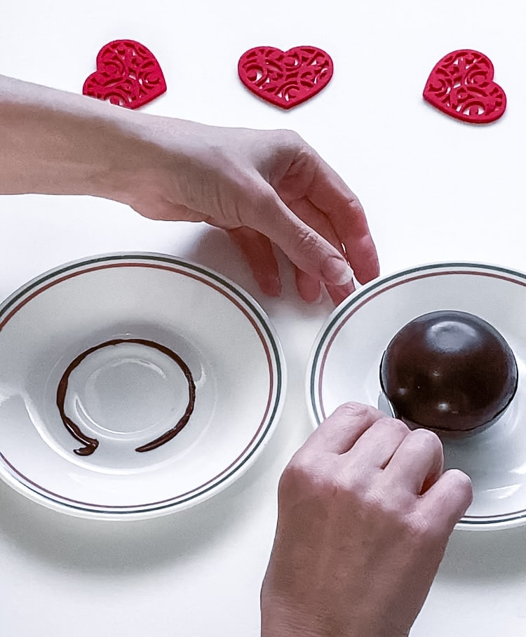 Sealing hot chocolate bomb