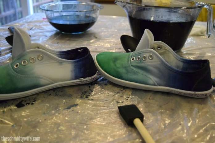 DIY Ombre Shoes | theschmidtywife.com