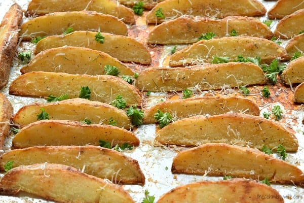 Rosemary Parmesan Baked Potato Wedges