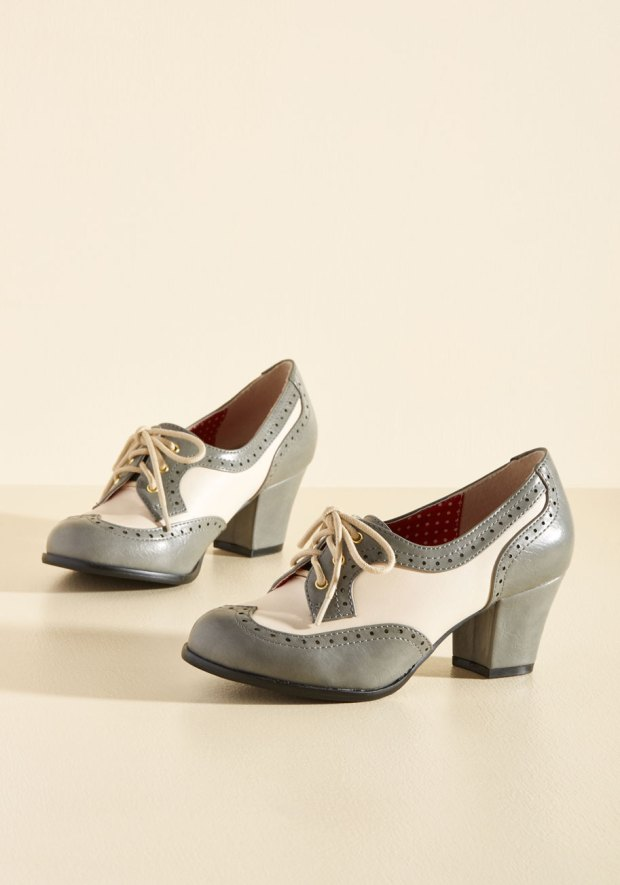Heeled Oxfords in cream and grey