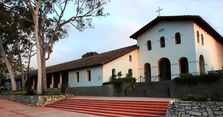 2560px Mission San Luis Obispo cropped 768x404