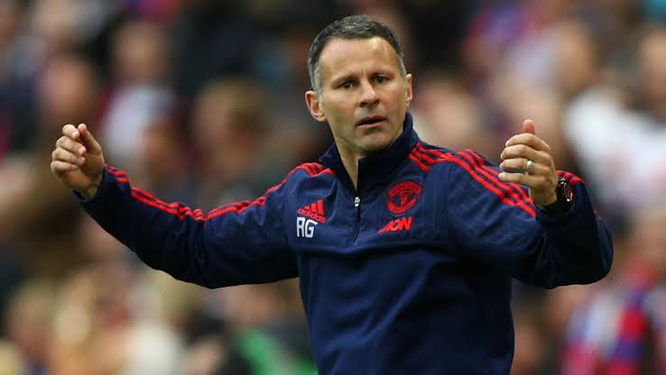 Ryan Giggs Reveals difference between Sir Alex Ferguson and Louis van Gaal