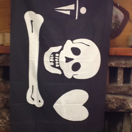 pirate-flag-2-in-dining-hall