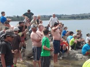 scoutmaster-splash-onlookers-great-photo