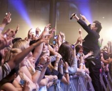 danny in crowd 2011 p2