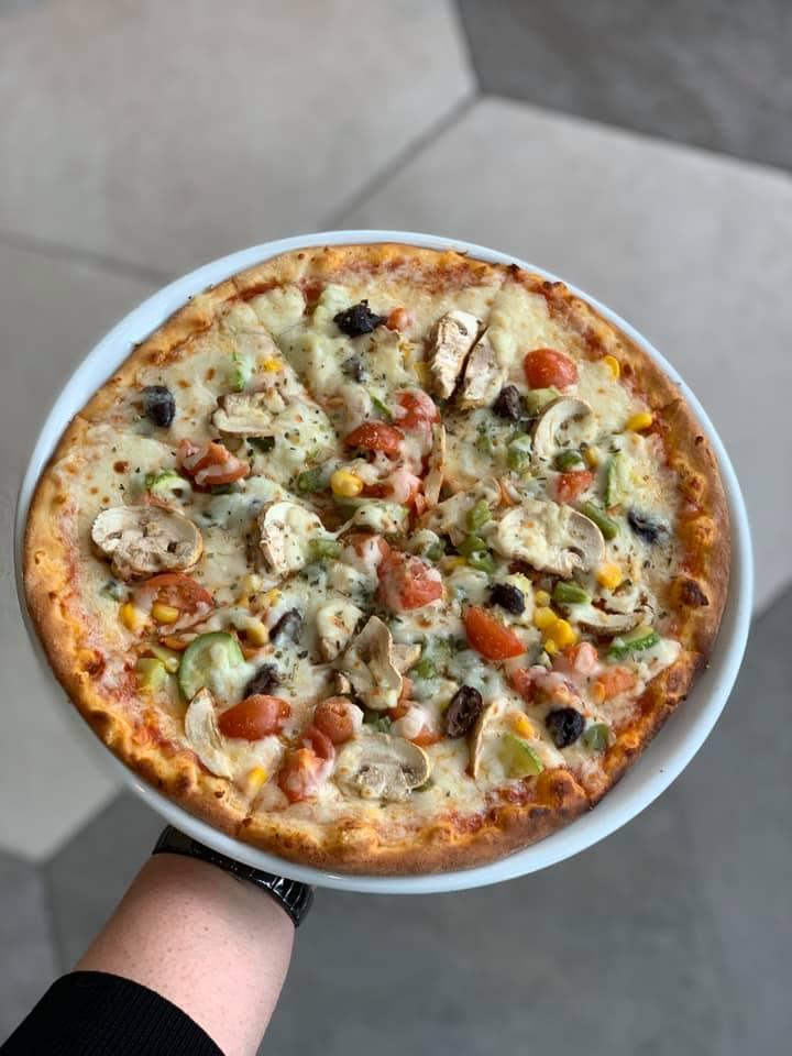Nurai_Vegetable Pizza