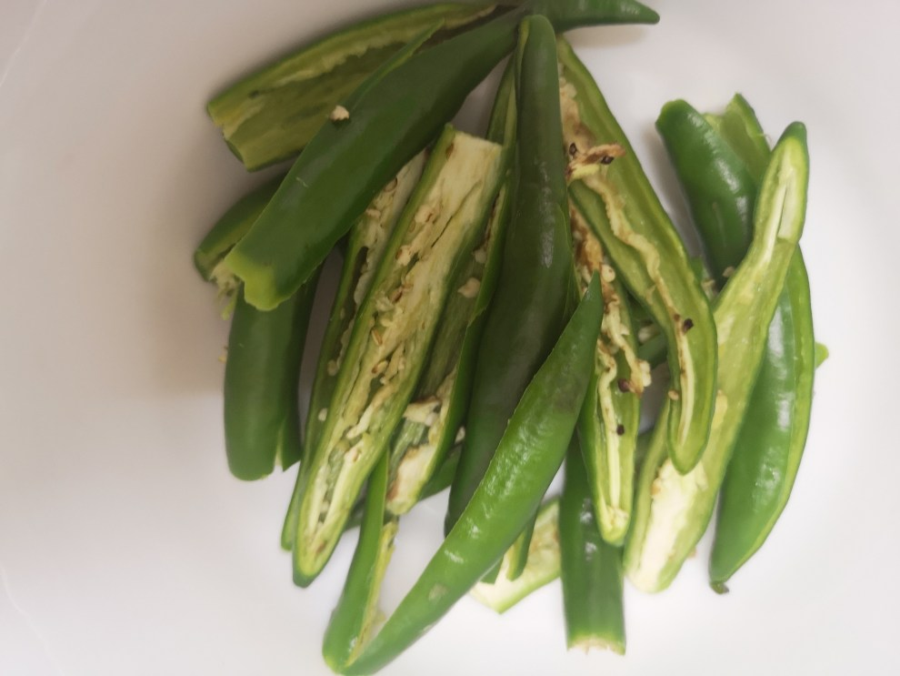Green Chilies Deseeded