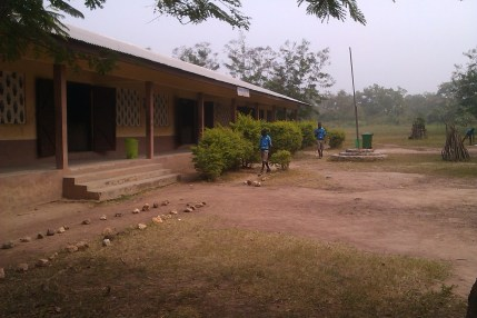 The JHS. The first two classrooms are visable. The third one, the staffroom and the small storage room/computer room are all hidden