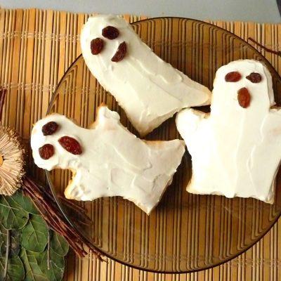 Halloween treats – Ghost Cream cheese biscuits