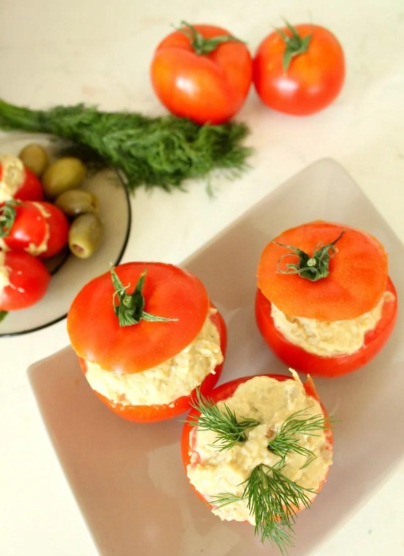 Stuffed tomatoes with eggplant and hummus