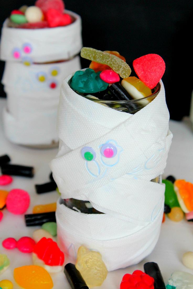 mummy jar for Halloween treats