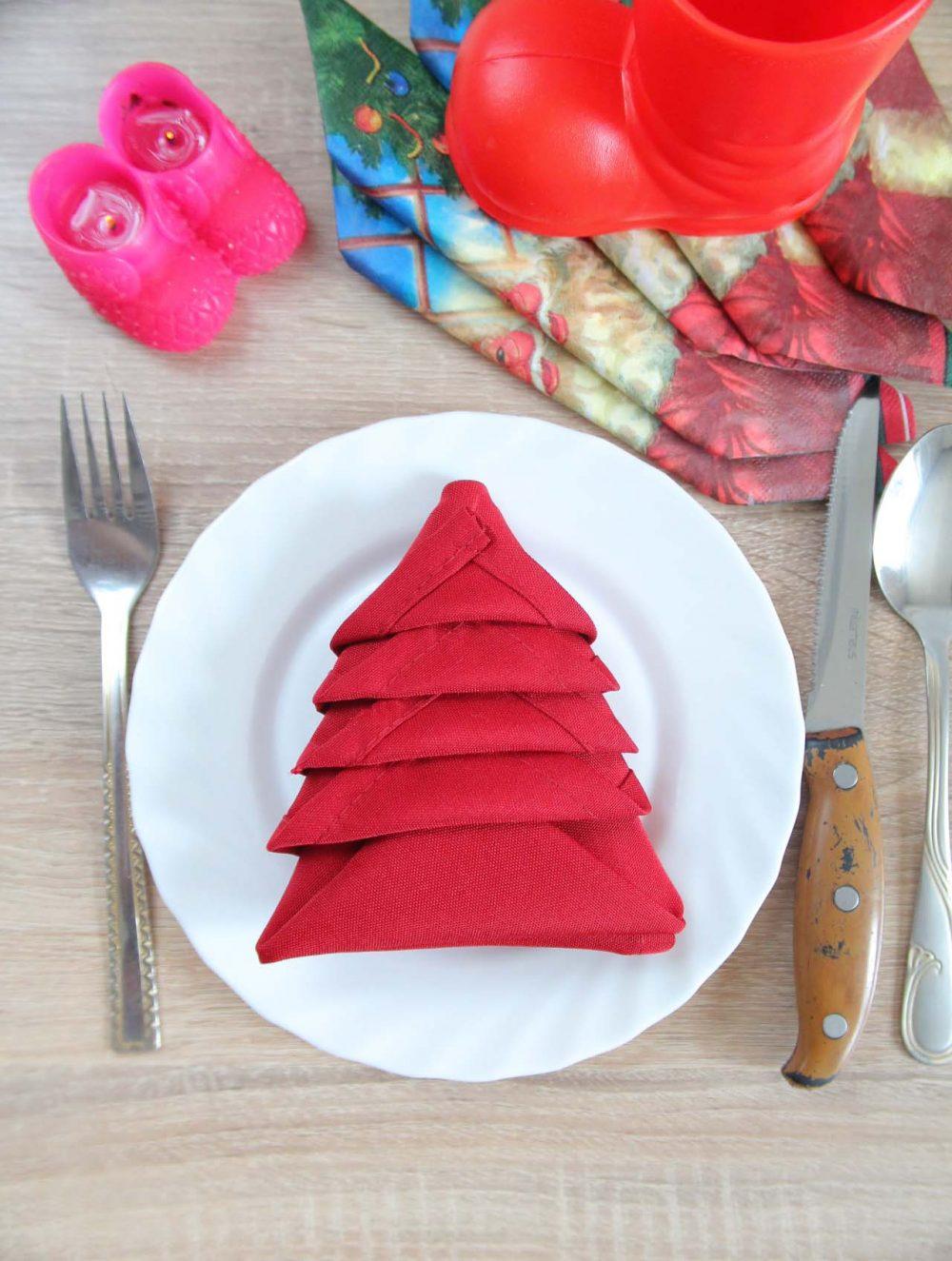 Christmas Tree Napkin Folding Two Minutes Technique