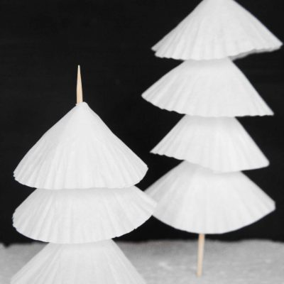 These little Paper Christmas trees are crazy easy & affordable