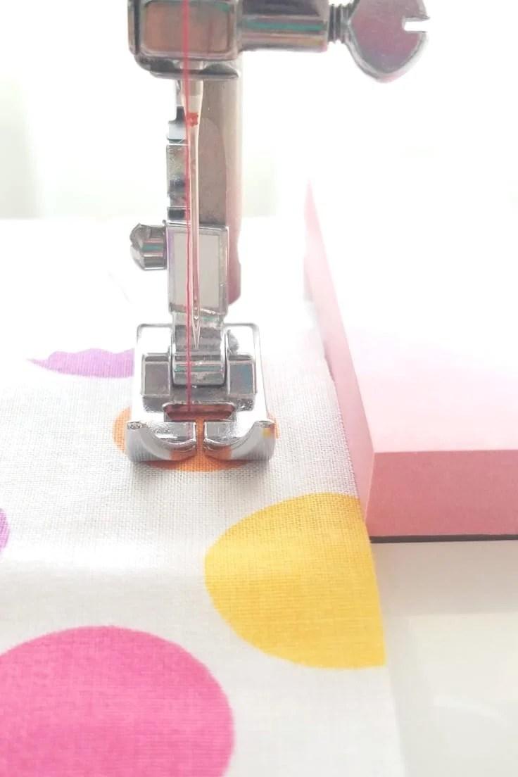Sewing machine seam guide