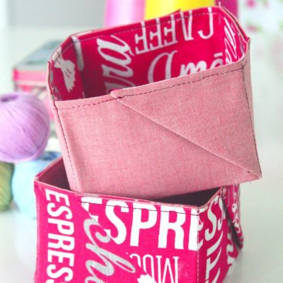 These fabulous mini fabric baskets are so easy and quick to sew