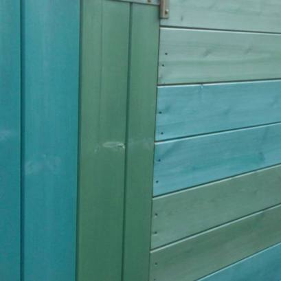 Two tone shed