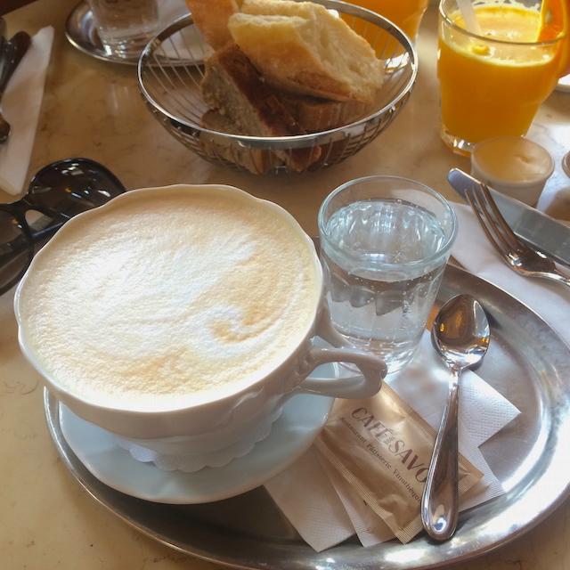 Ultimate latte, Café Savoy, Prague