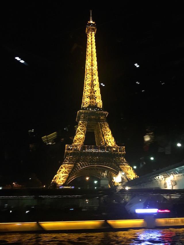 Unique dinner experience in Paris: River cruise dinner in Paris