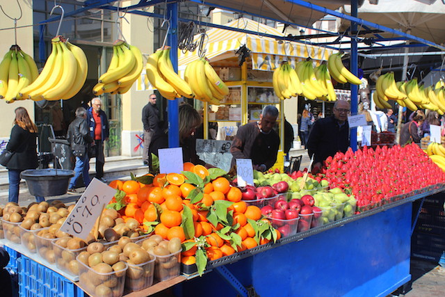Fruits market in Syntagma square, Athens
