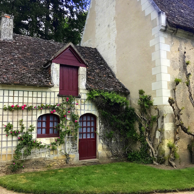 pretty house around Chenonceau castle