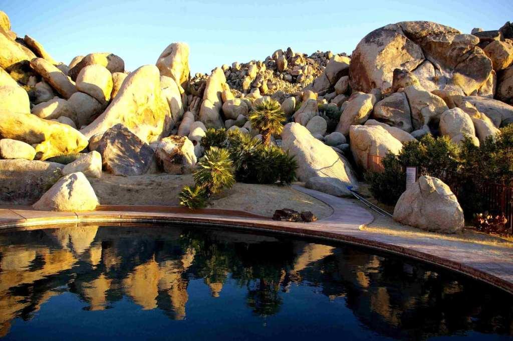 Villa-Dei-Fiori-joshua-tree-california-airbnb-hotel-places-to-stay-where-to-stay-rental-house