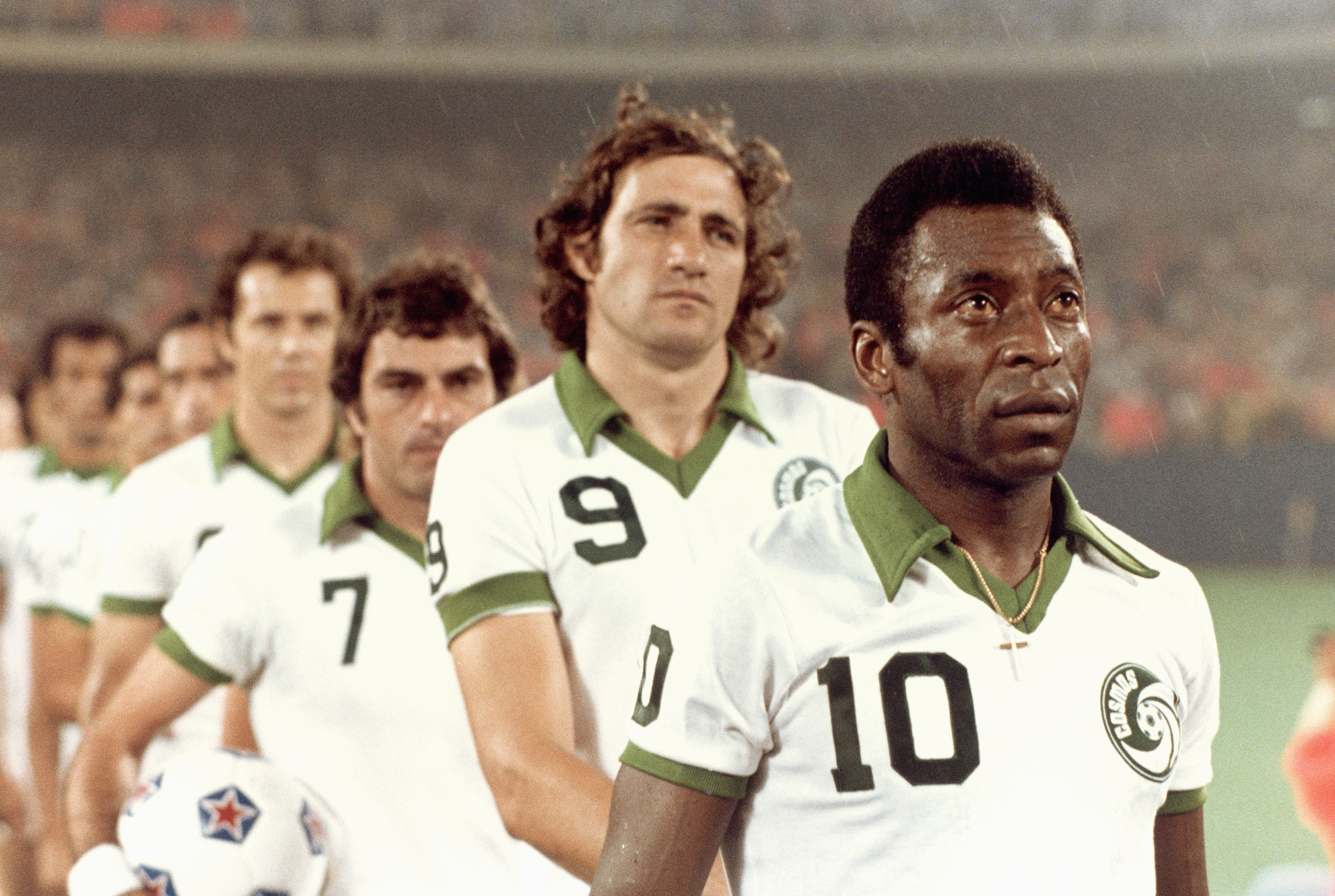 how pel and the new york cosmos changed soccer. Black Bedroom Furniture Sets. Home Design Ideas