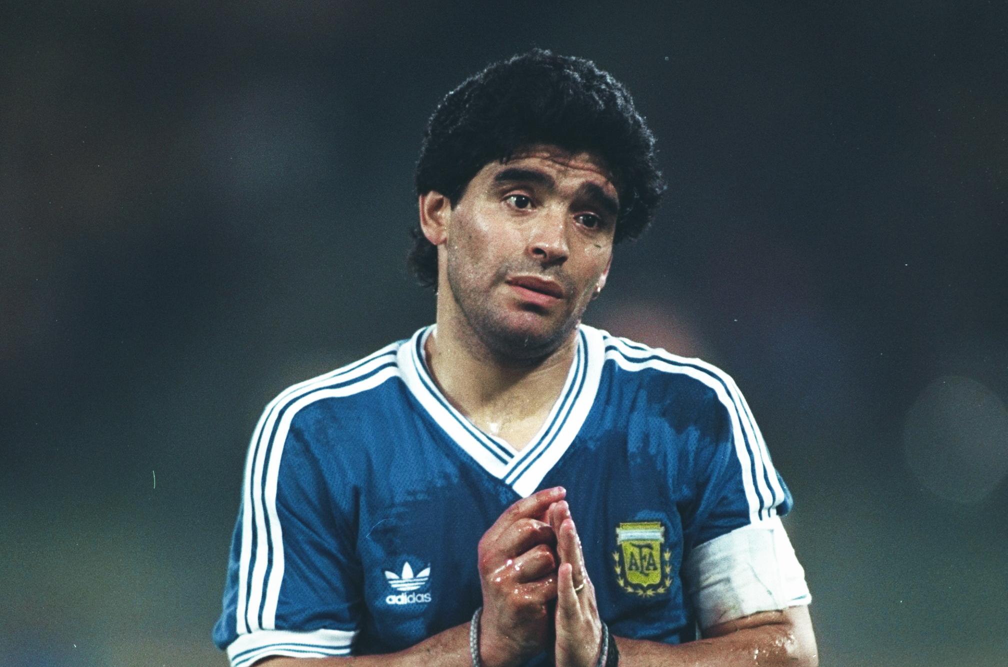 Imagini pentru diego maradona photos