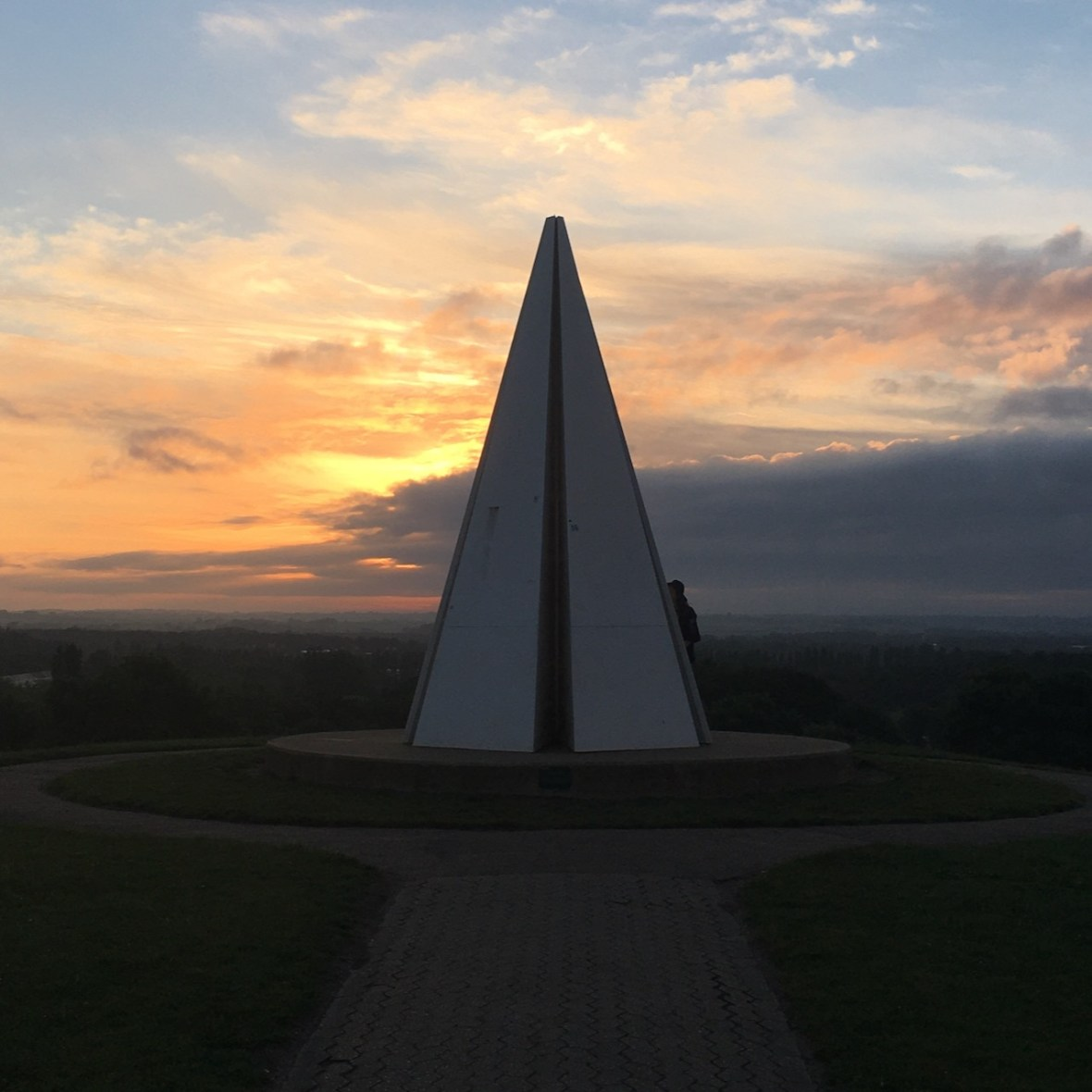 MK Light Pyramid