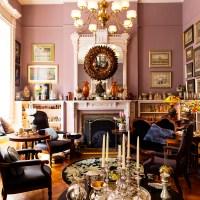 お宅拝見:アーティストFOY氏とコレクターKAYE氏のNYの豪華なアパート