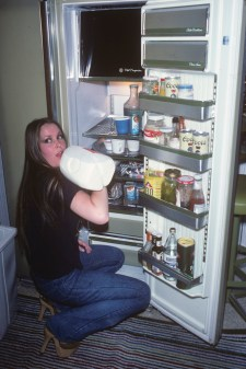 1977 Lita Ford of The Runaways in her family kitchen in Long Beach, CA