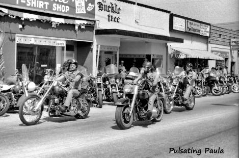 PULSATING PAULA DAYTONA BEACH BIKE WEEK MAIN STREET BIKERS HARLEY 1980S