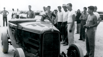 A 1940S 1950S OILERS CC CAR CLUB HOT ROD VINTAGE PHOTO
