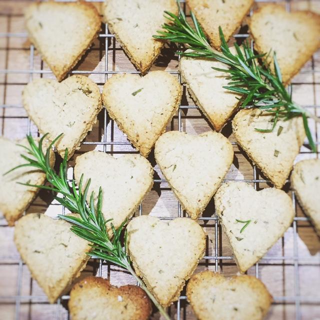 Rosemary oatcake hearts